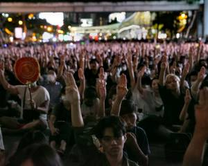 Thailand: Government must respect and protect the rights of demonstrators