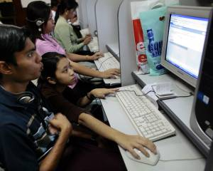 Myanmar: Lift Internet Restrictions in Rakhine and Chin States