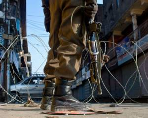 India: Crackdown continues in Jammu & Kashmir