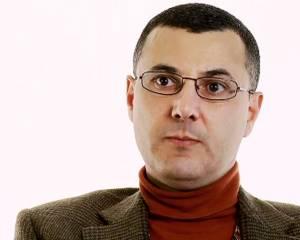 Omar Barghouti at risk of deportation as Israel plans to revoke his residency status